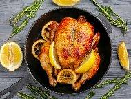 Пълнено цяло пиле с бекон, кайма, гъби и пушено топено сирене печено в плик на фурна